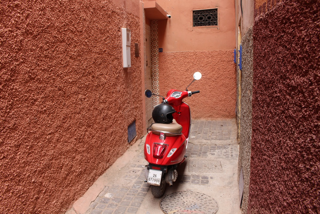 Riads For Sale Marrakech - Scooter Ride in Marrakech Medina - Riad For Sale Marrakech - Marrakech Realty - Marrakech Real Estate - Immobilier Marrakech - Riads a Vendre Marrakech