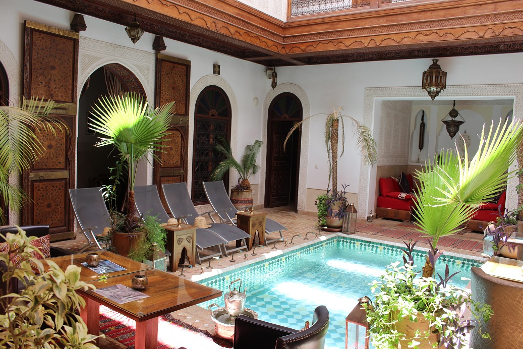 Sumptuous 8 en suite riad guesthouse for sale marrakech for Luxury riad in marrakech